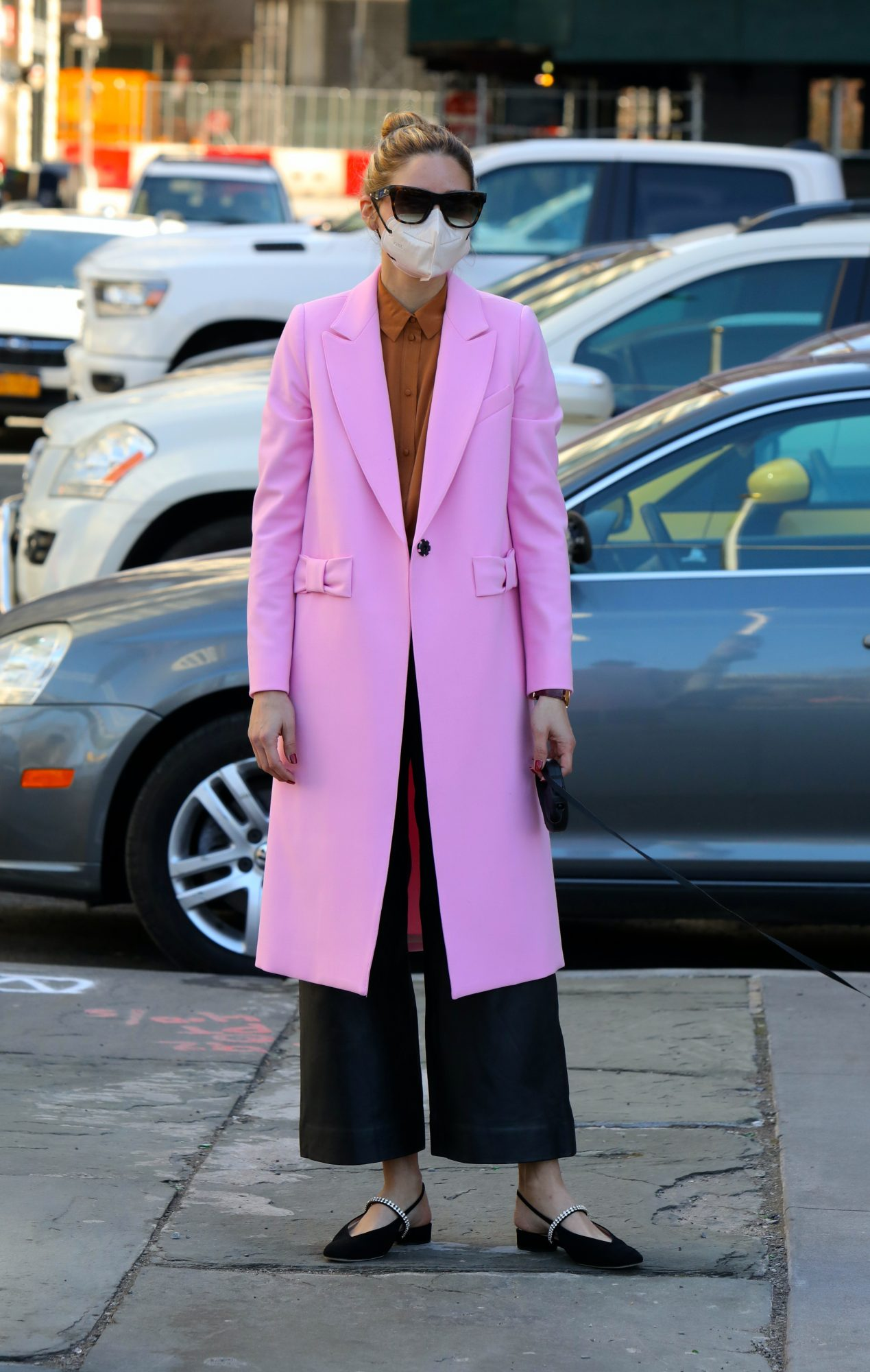 Olivia Palermo, look del dia, abrigo rosado