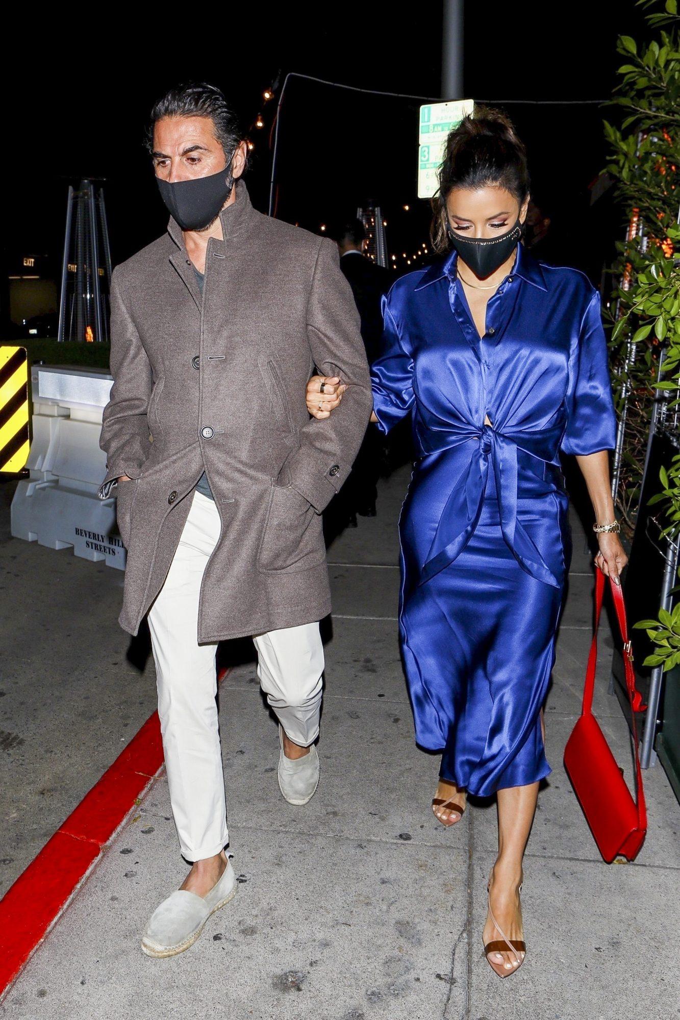 Eva Longoria, look del dia, vestido azul real, cita con su esposo