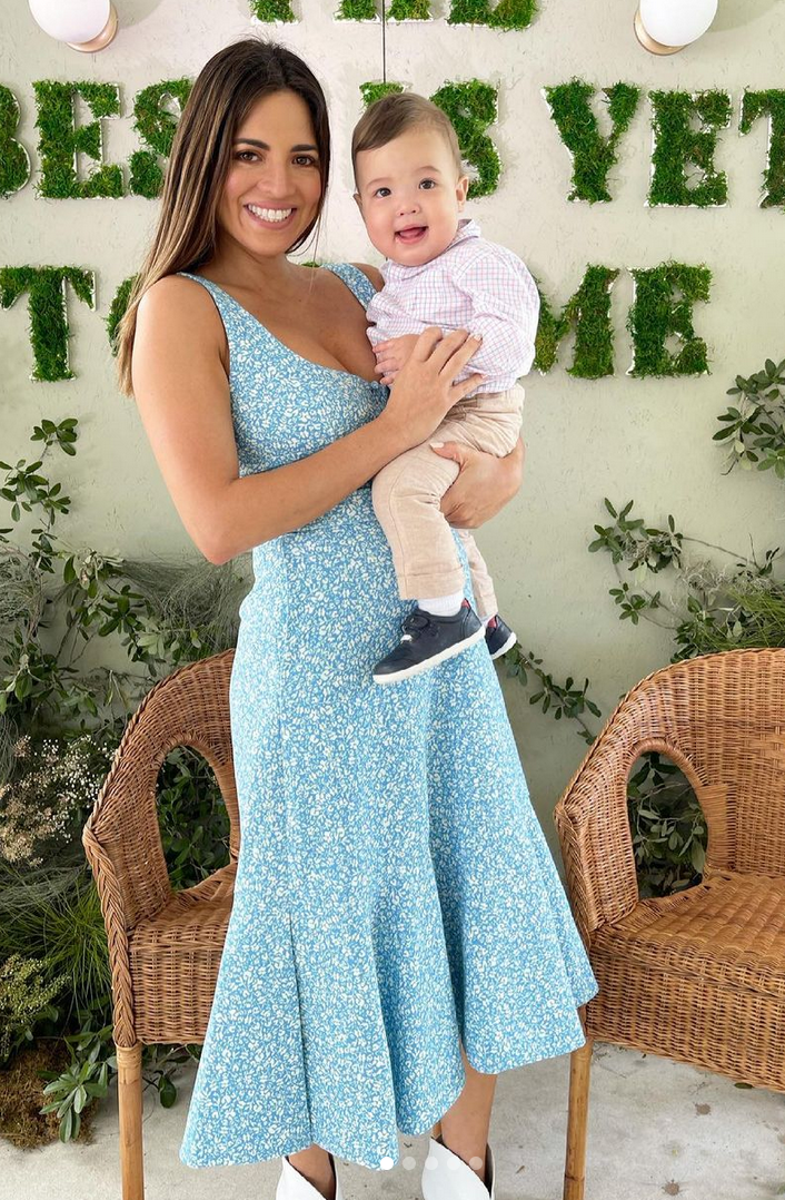 Pamela Silva, look del dia, vestido azul, dia de pascua, domingo de pascua