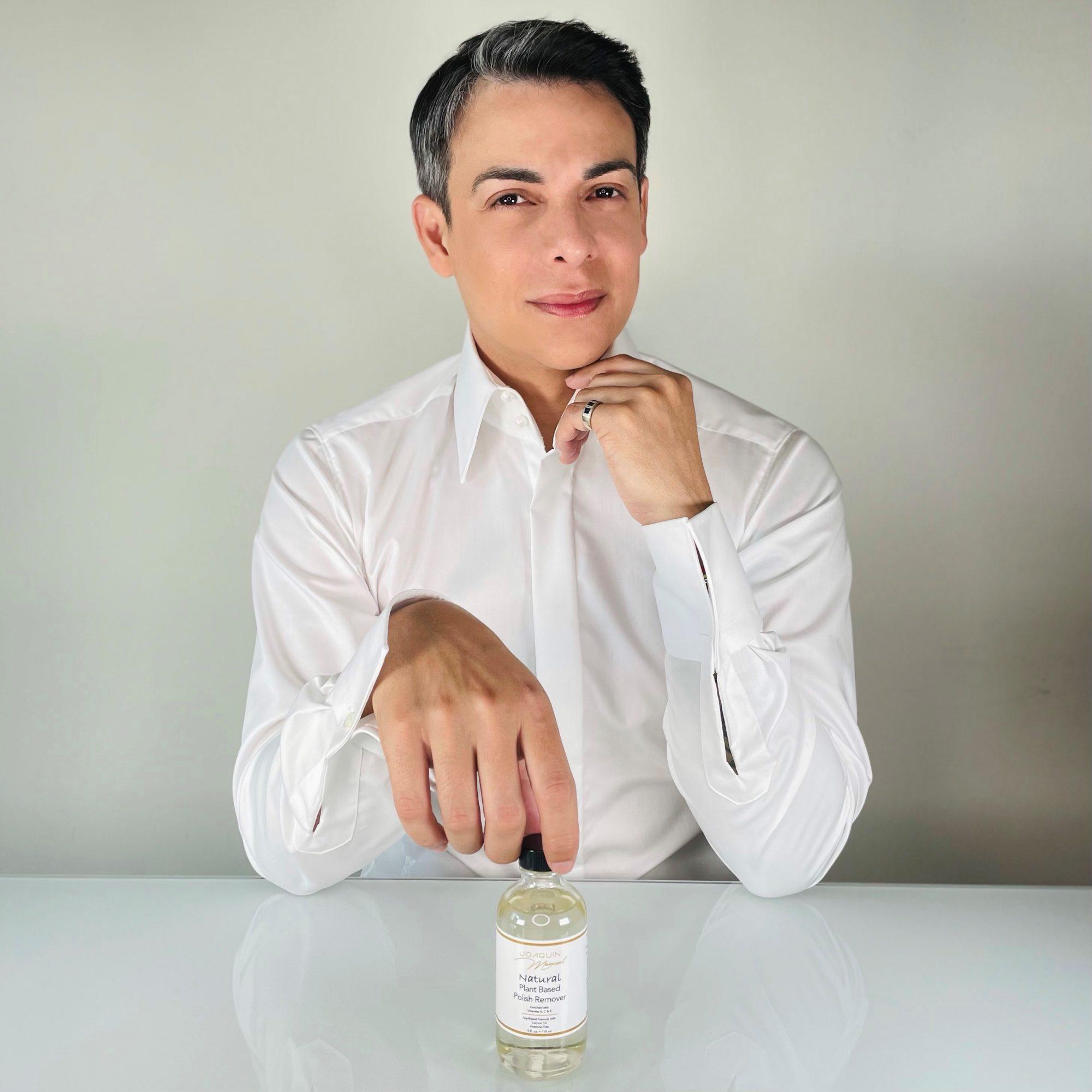 Joaquin Manuel manicura esmaltes sin toxicos