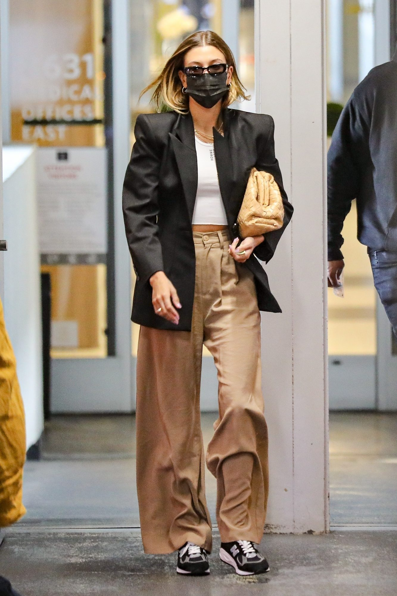 Hailey Bieber, look del dia