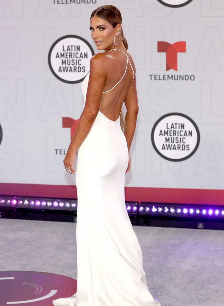 Gaby Espino, Latin American Music Awards, vestido blanco