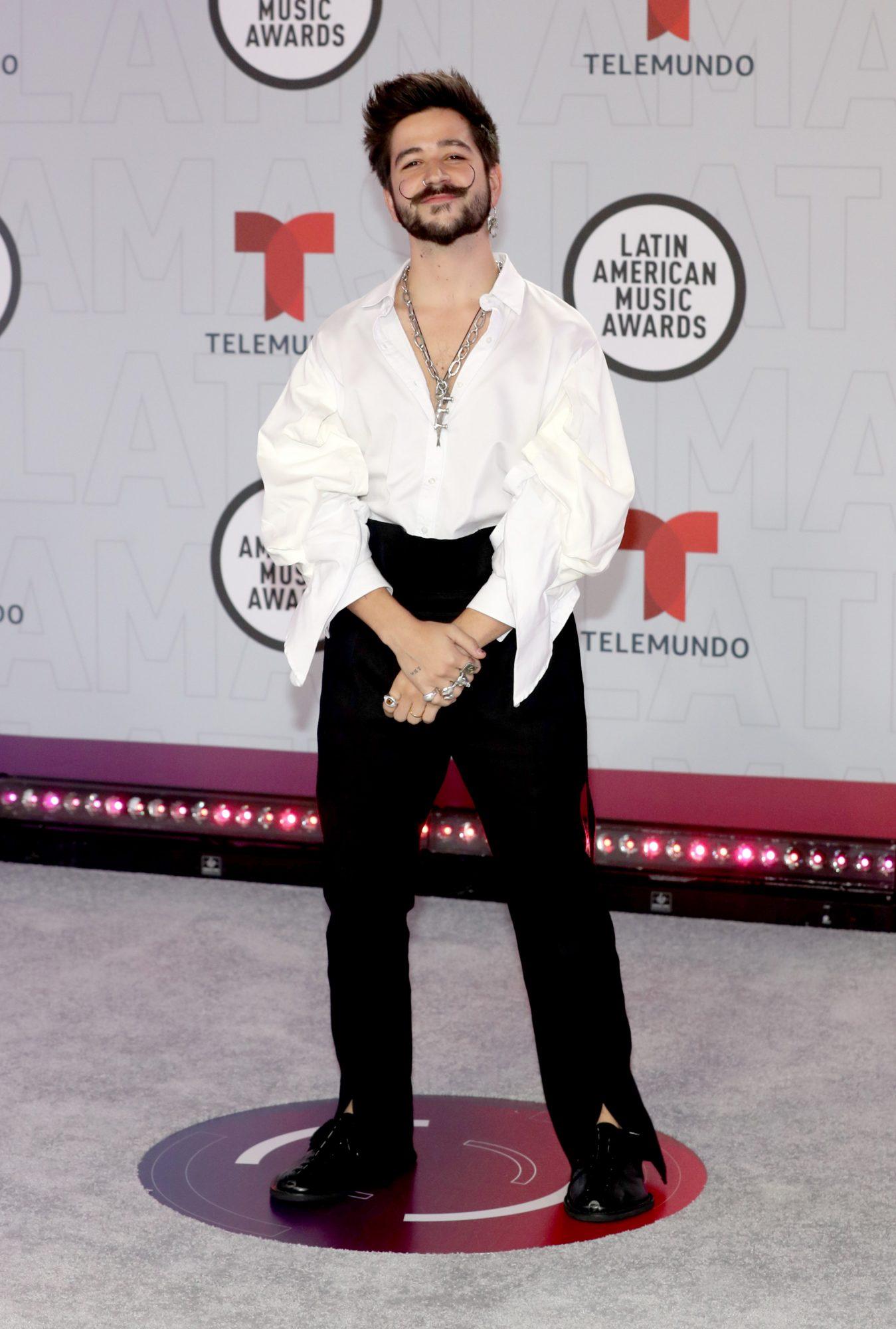 Mejor vestidos hombres Latin Amas
