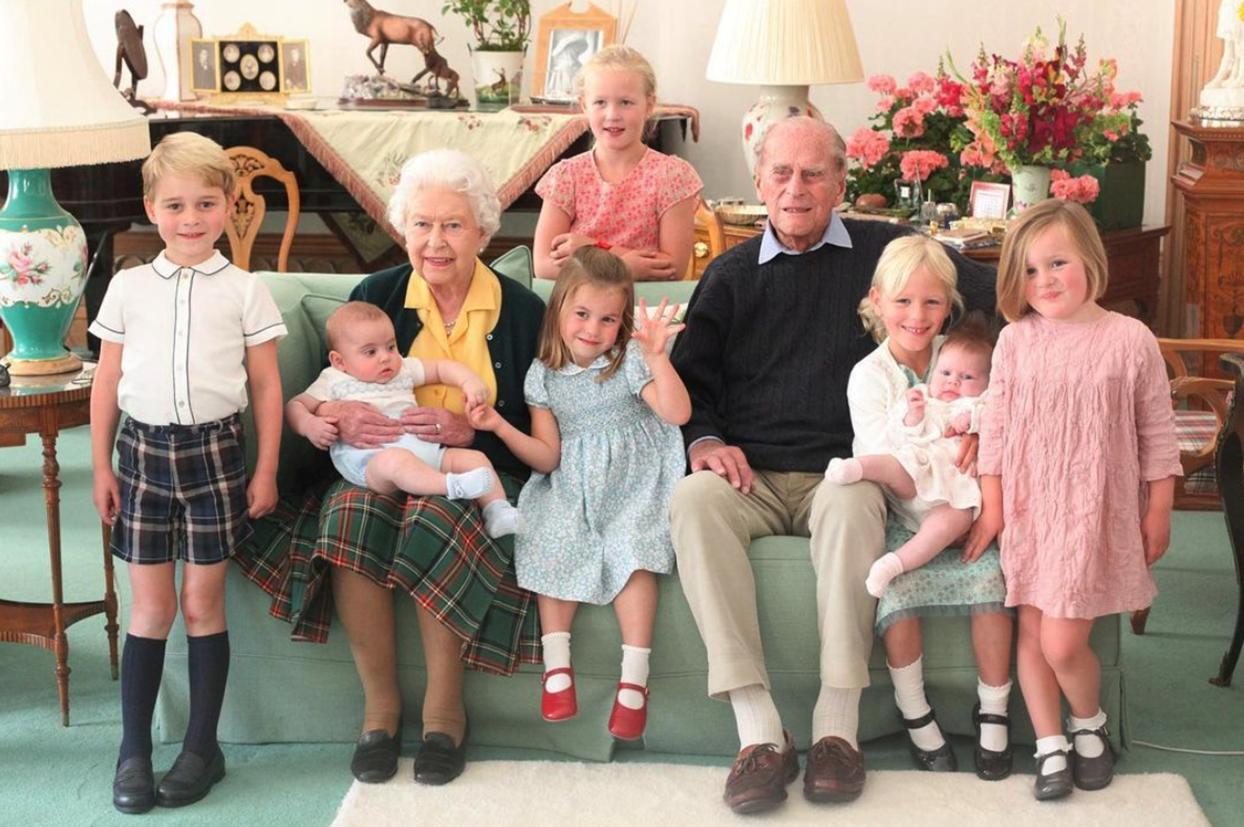Principe Felipe con sus bisnietos