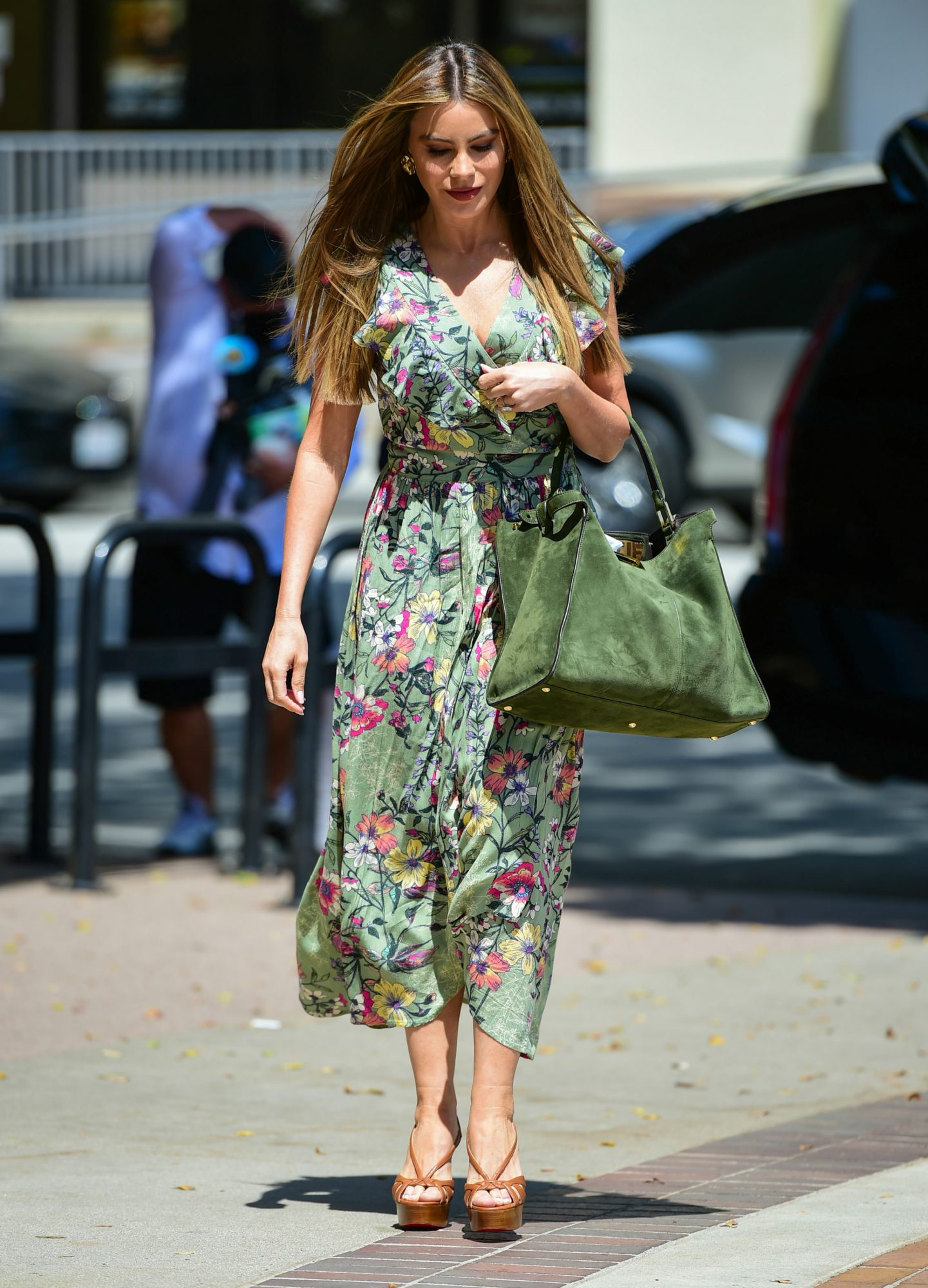 Sofia Vergara, look de dia, vestido estampado floral, los angeles