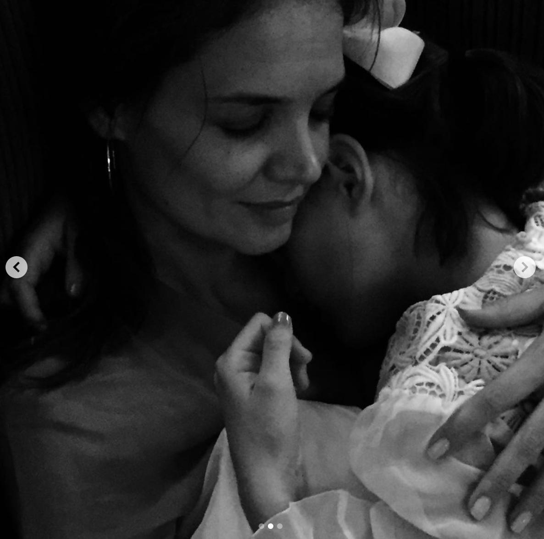 katie holmes foto cumpleanos 15 hija suri cruise
