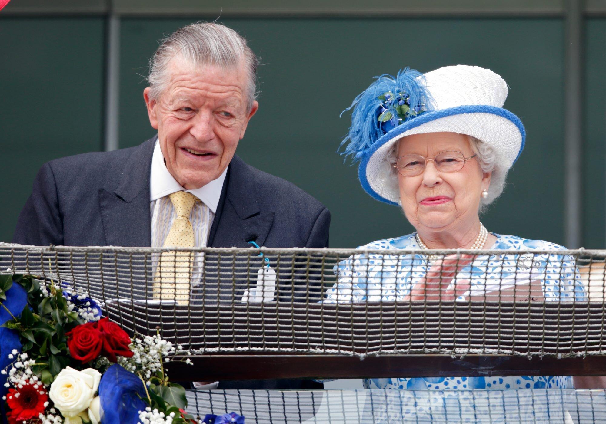Michael Oswald y Queen Elizabeth II