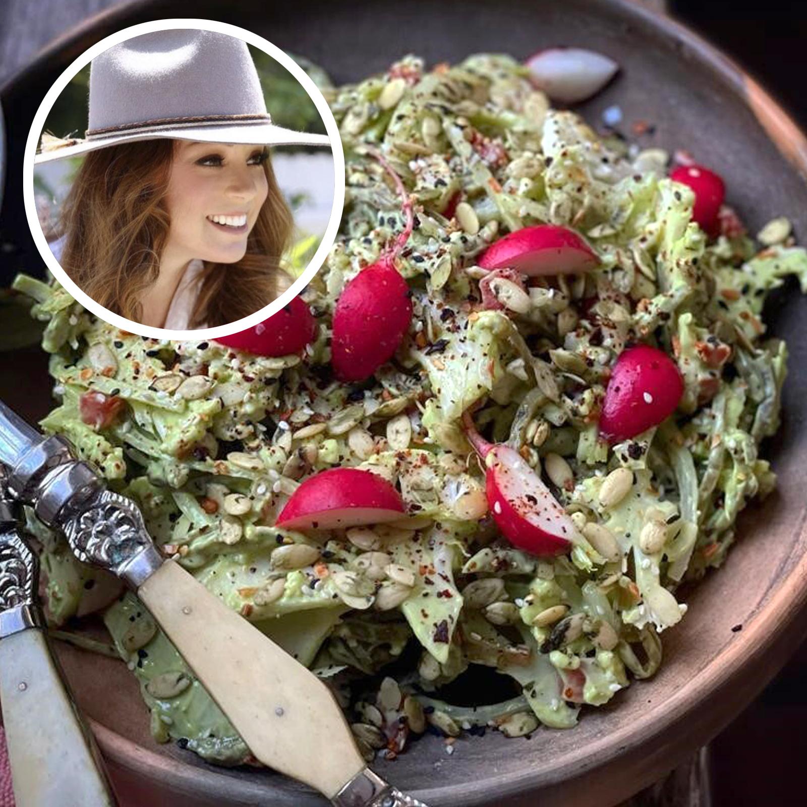 Receta de ensalada de nopales con aderezo de aguacate de la chef Marcela Valladolid