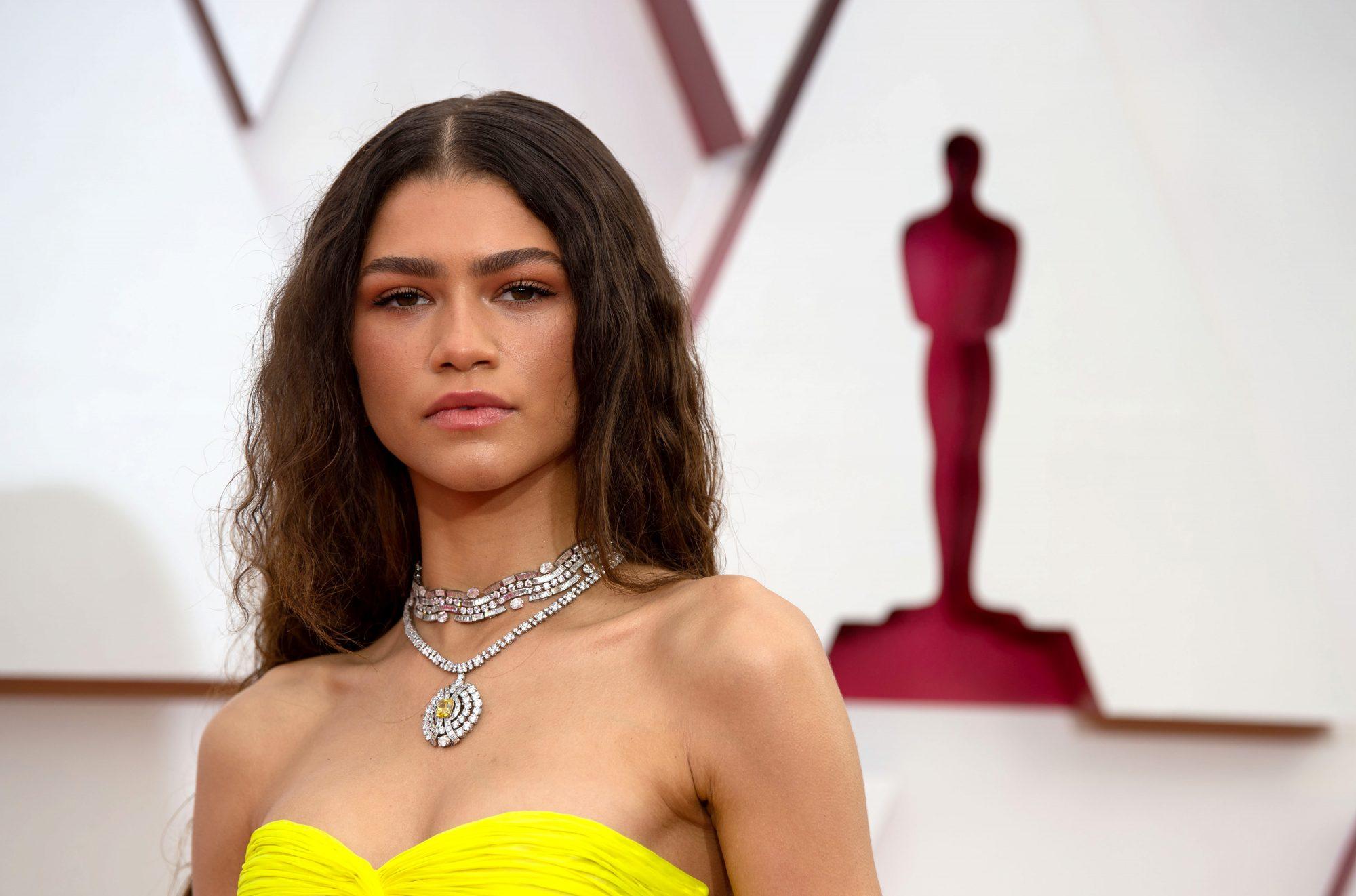 Mejores looks belleza Oscar 2021