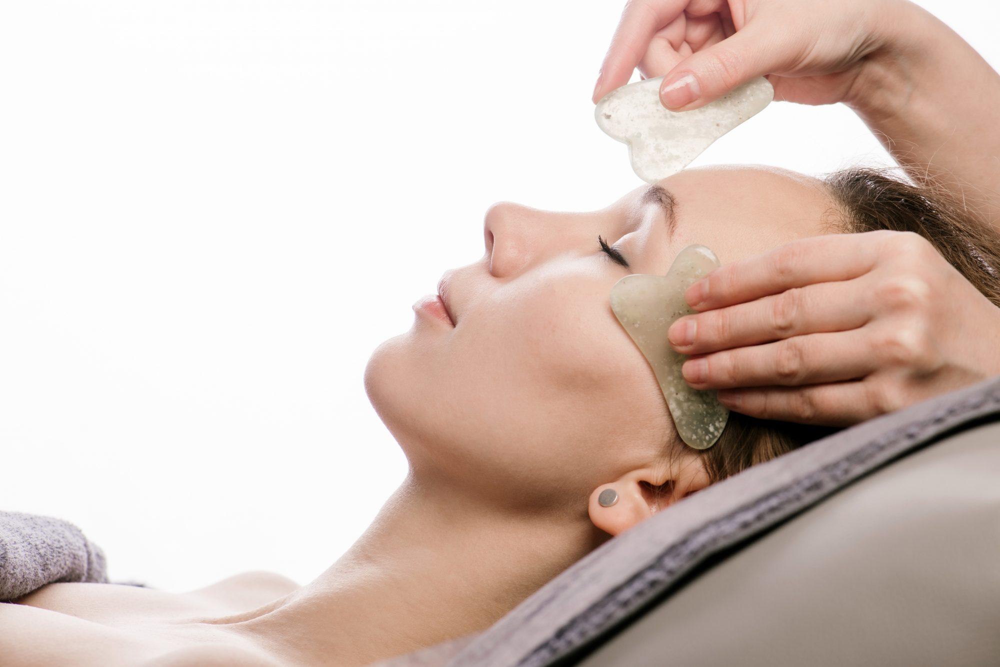 Gua Sha, masaje facial, piel, skincare