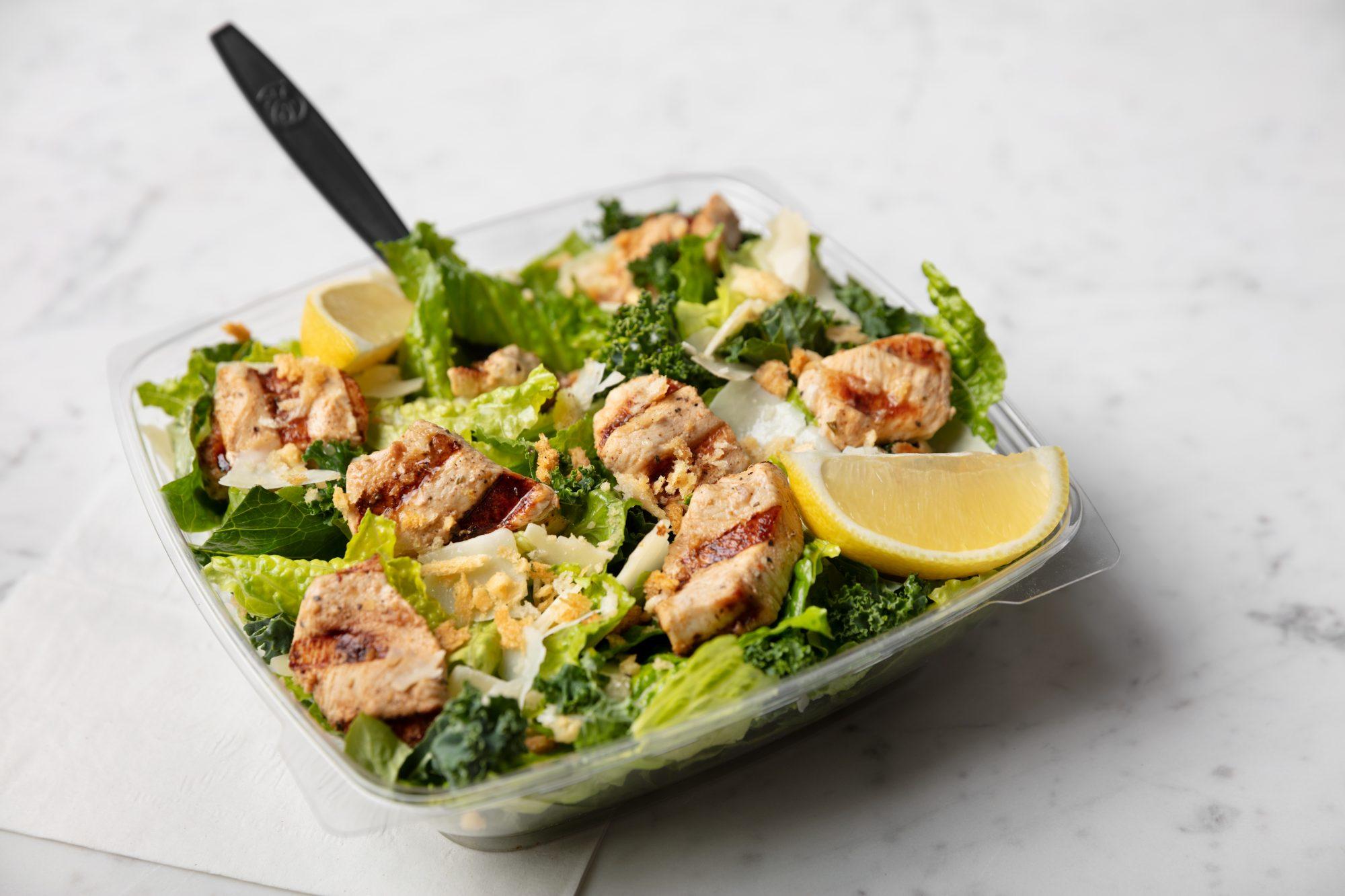 Ensalada de kale con pollo de Chick-fil-A
