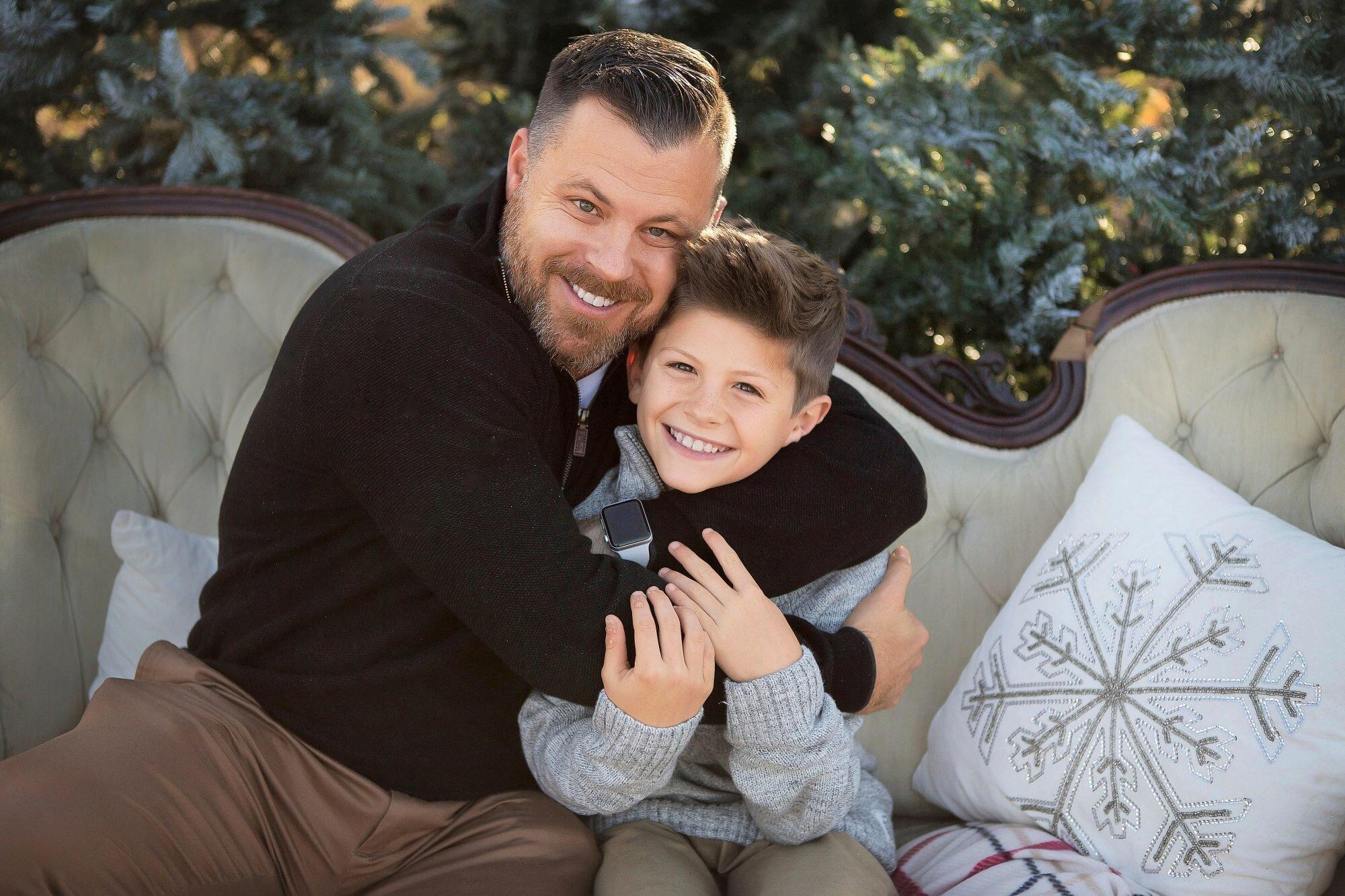 Brad Hunstable y su hijo Hayden