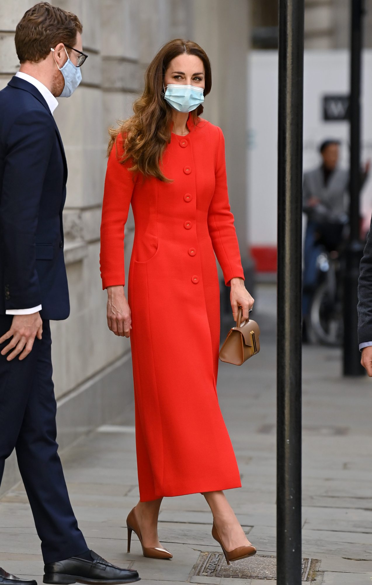 Kate Middleton, look del dia, abrigo rojo