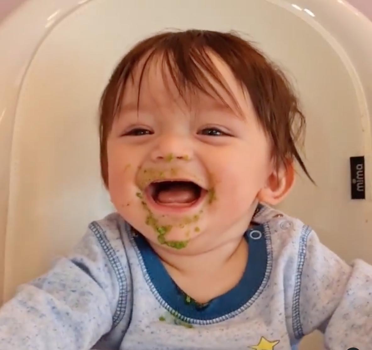 Andre el hijo de Sherlyn se come sus verduras