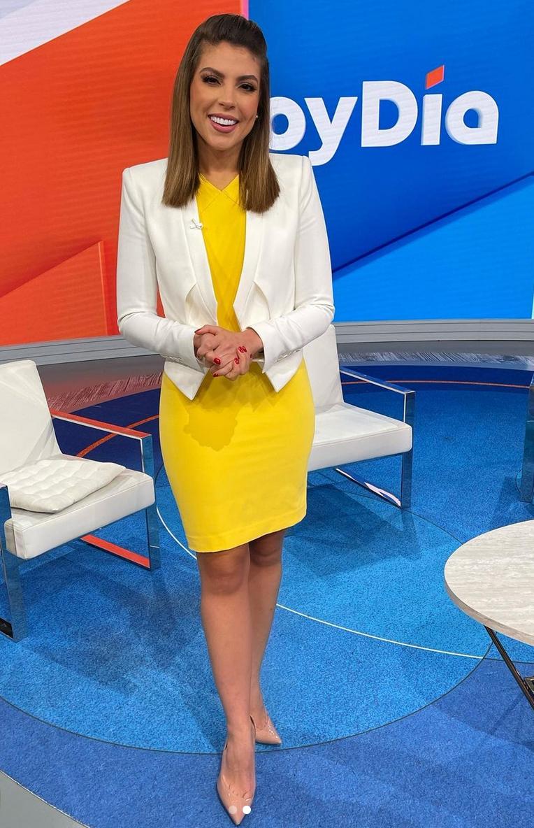 Nicole Suarez, look del dia, vestido amarillo, Hoy dia