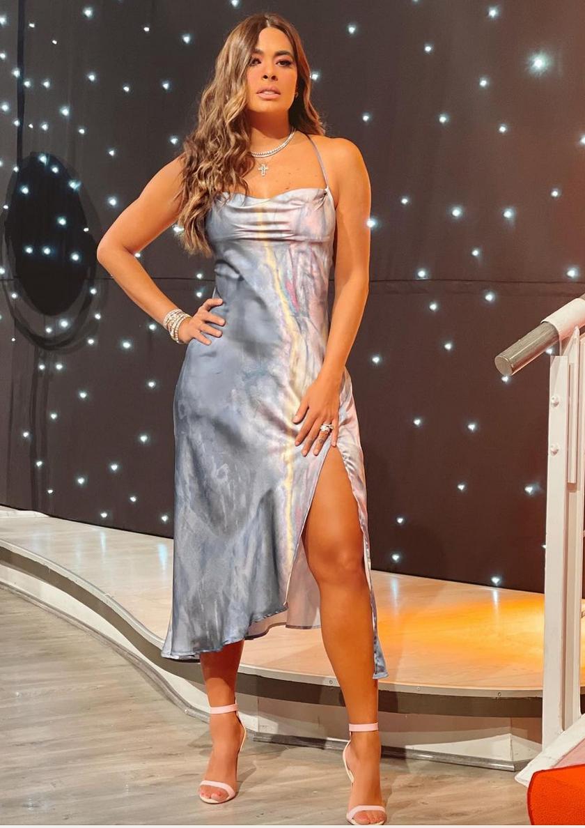 Galilea Montijo, look del dia, vestido plateado, vestido Gris, Programa Hoy