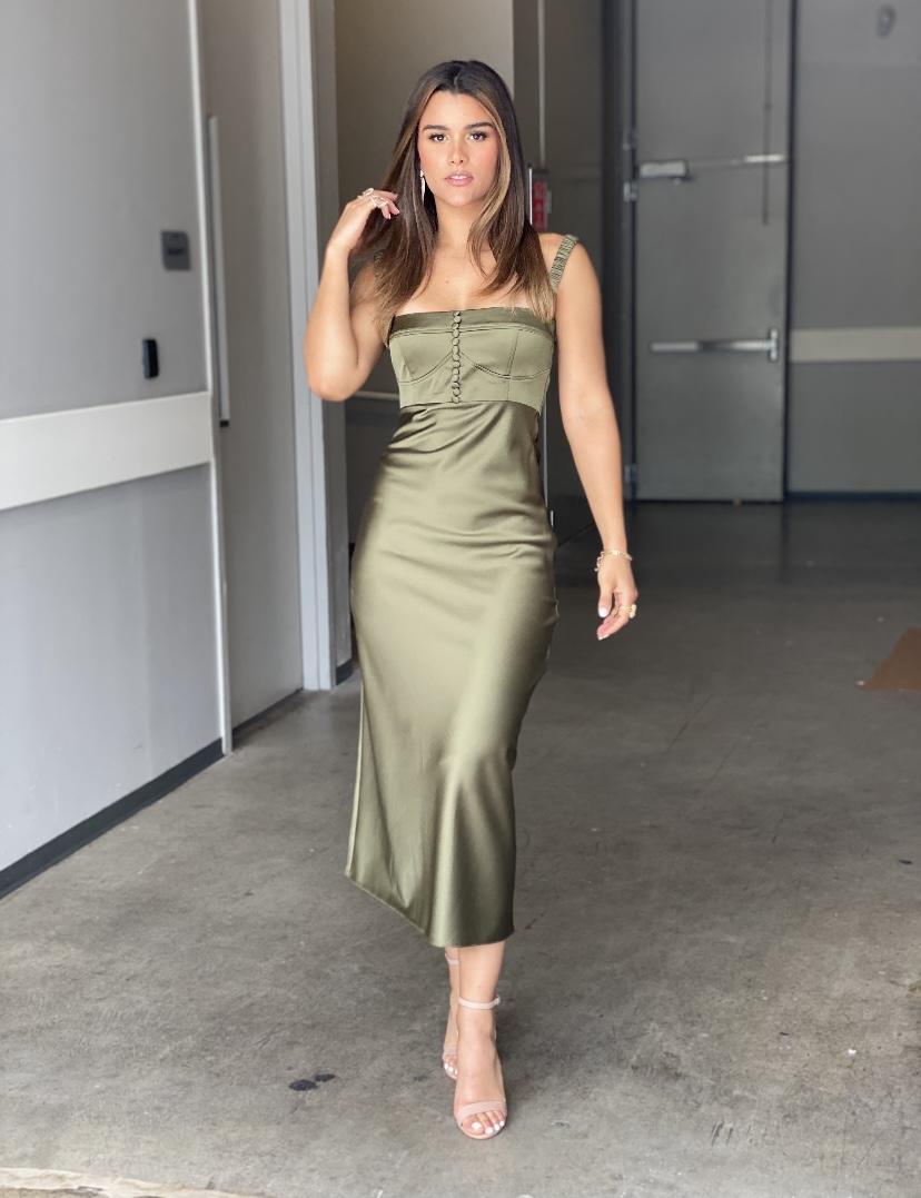 Clarissa molina, look del dia, vestido verde de seda