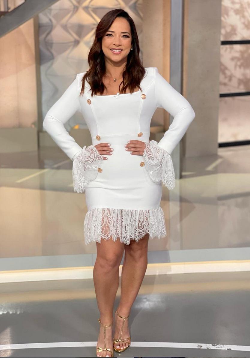 Adamari Lopez, vestido blanco, hoy dia