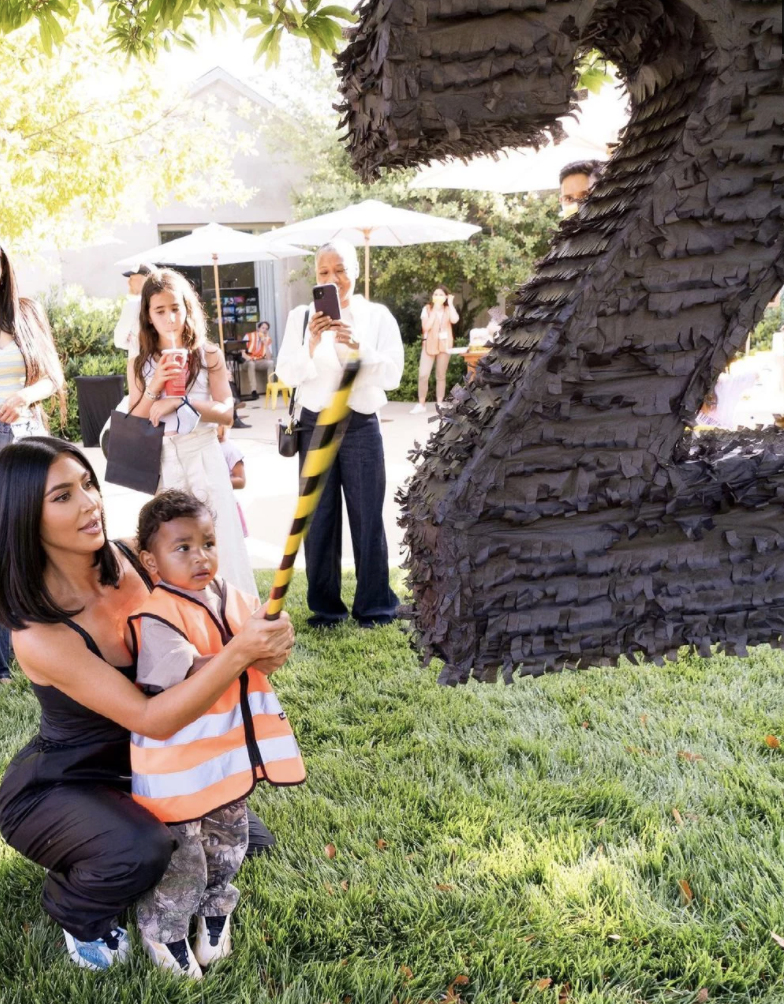 Kim Kardashian y su hijo Psalm