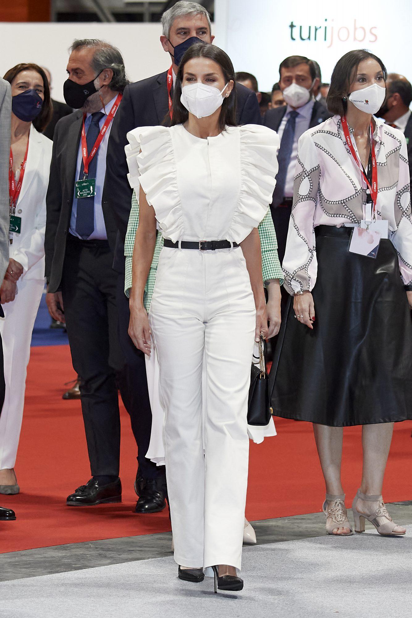 Reina Letizia, look del dia, look del blanco