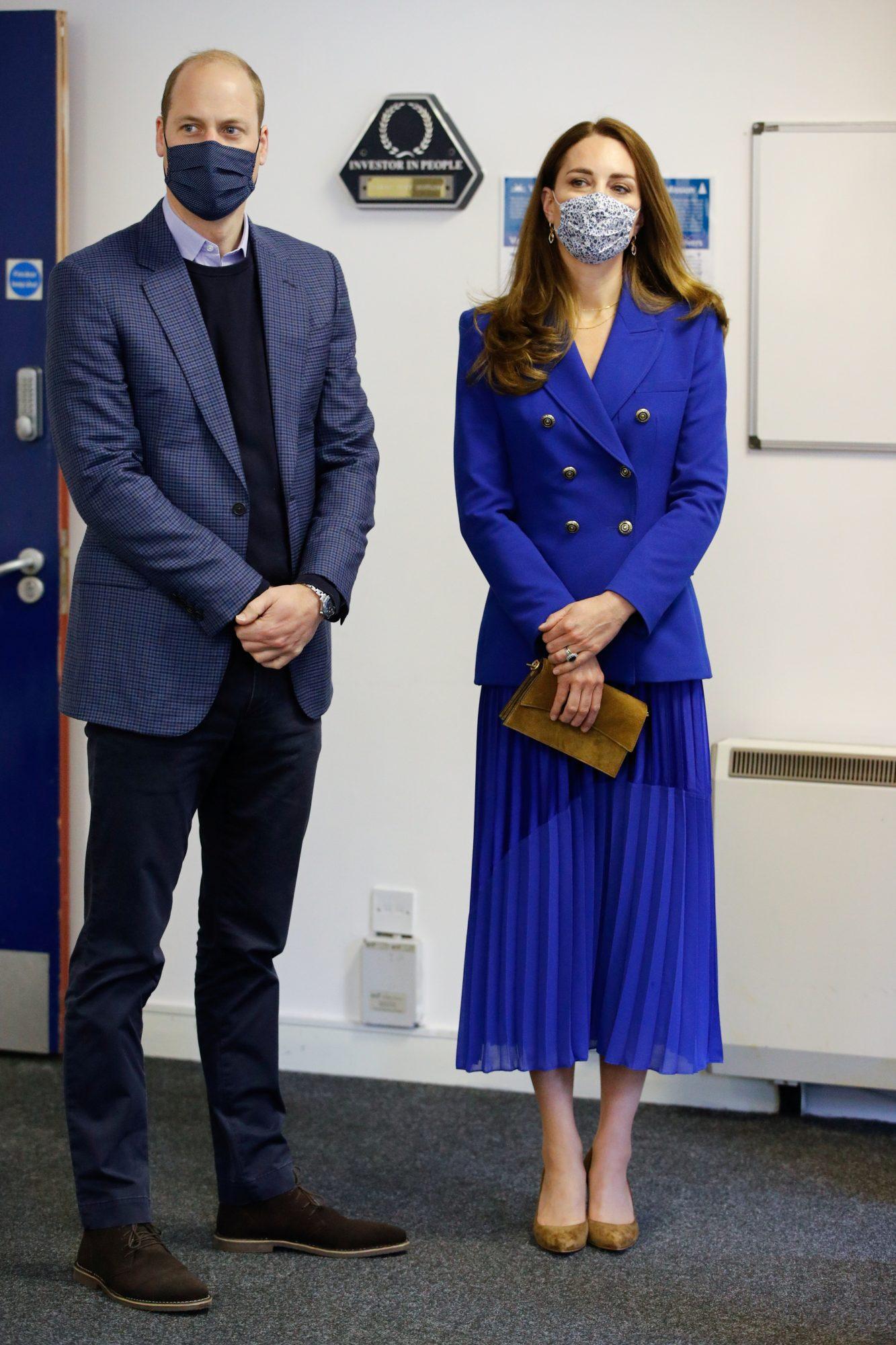 Kate Middleton, look del dia, conjunto azul royal
