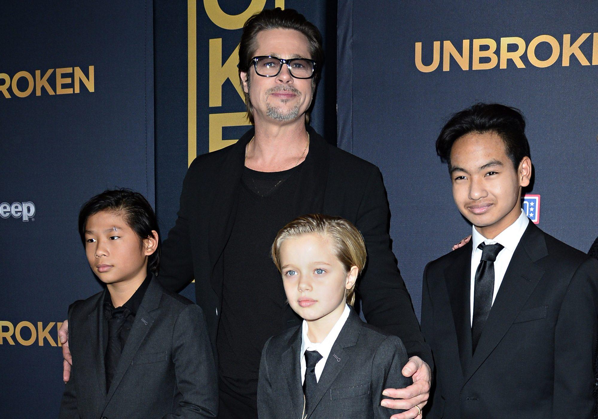 Brad Pitt con sus hijos
