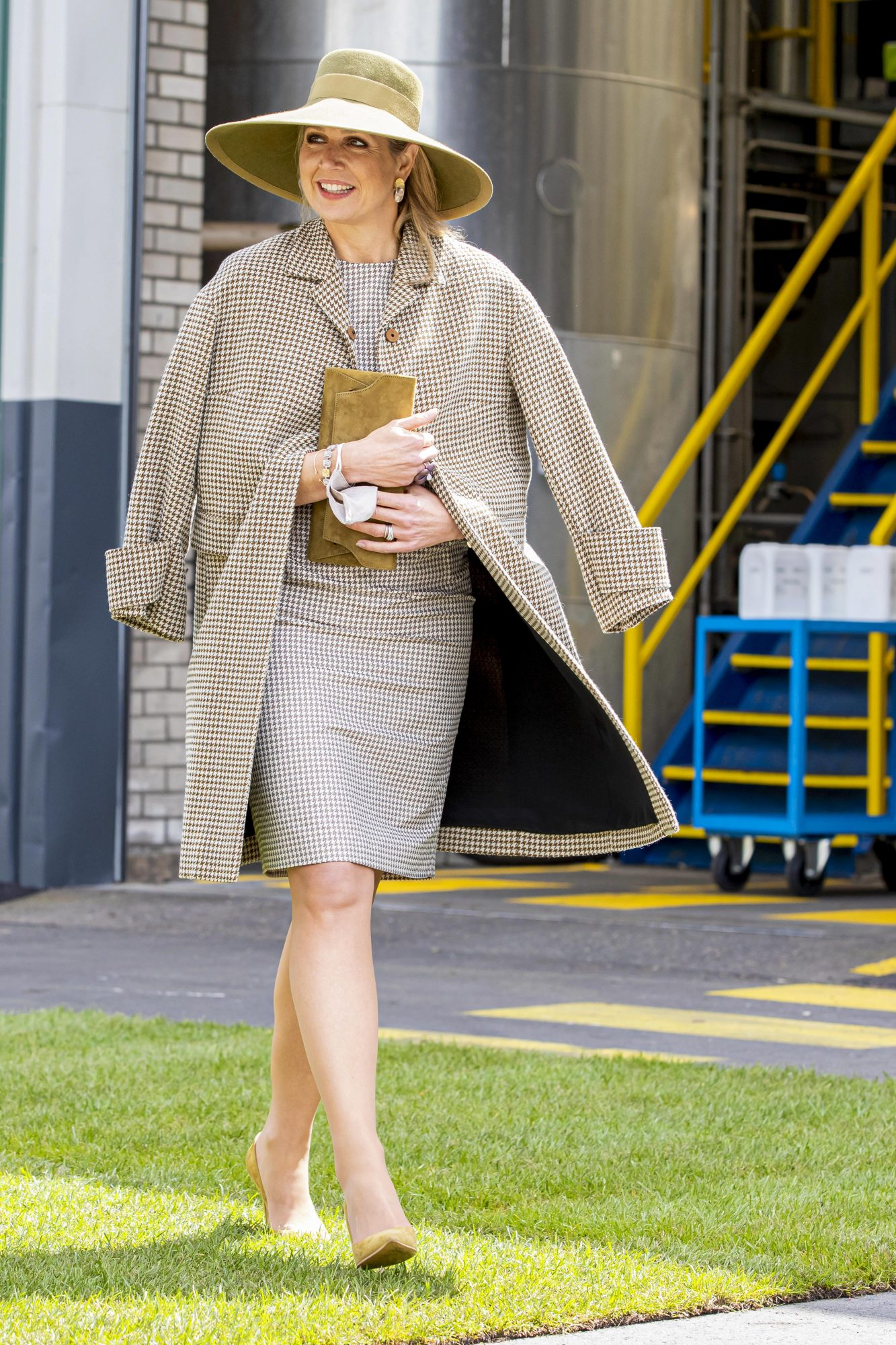 Reina Maxima de Holanda, look del dia, vestido a cuadros