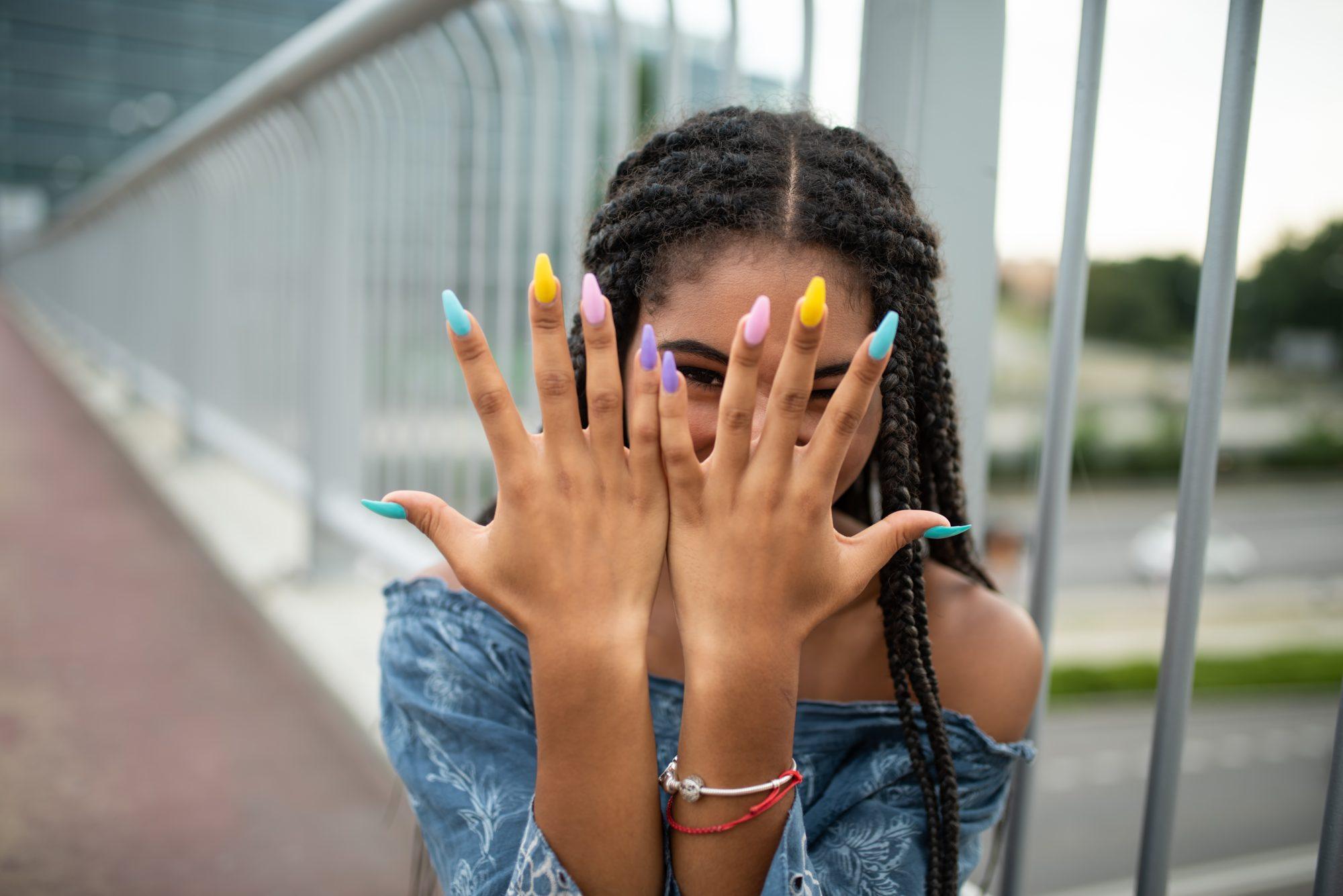 Día nacional esmalte uñas colores