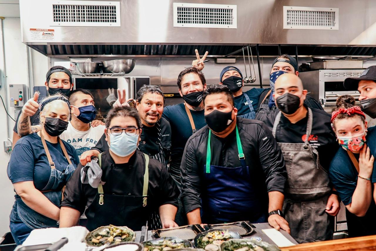 el chef jose luis y MIssion ceviche team de aprox 4 chefs