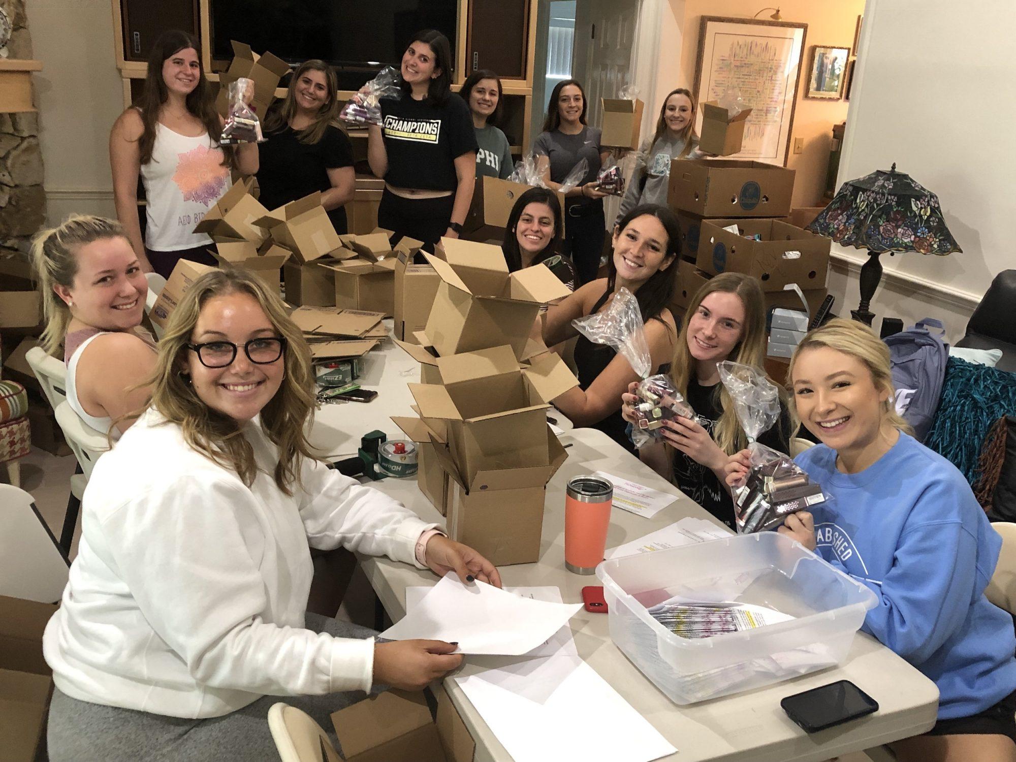 Organizacion dona pintalabios mujeres abuso