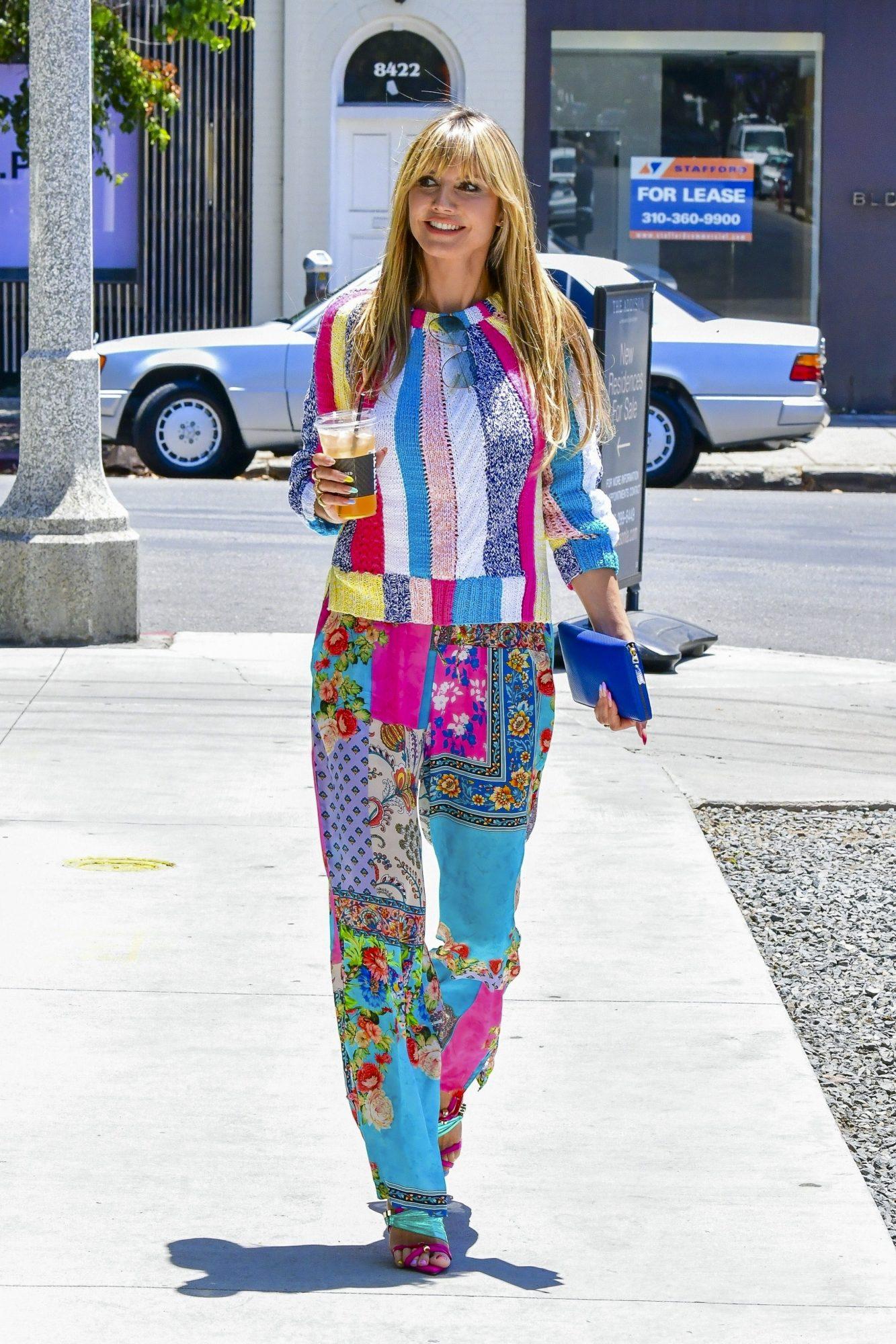 Heidi Klum, look del dia, conjunto multicolor