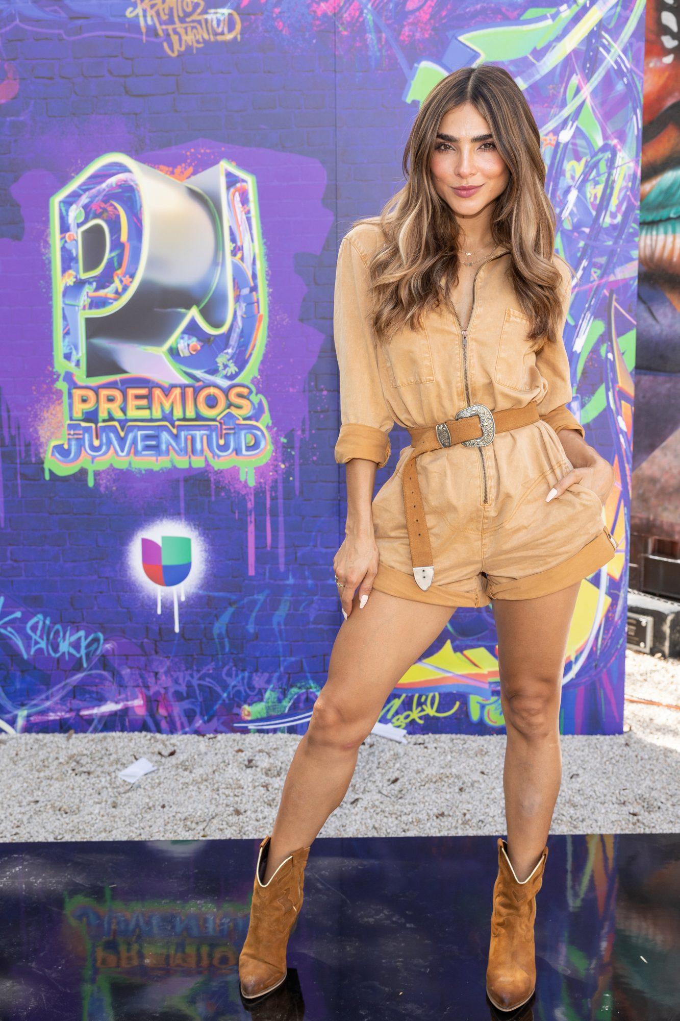 Alejandra Espinoza, look del dia, nominaciones premios juventud
