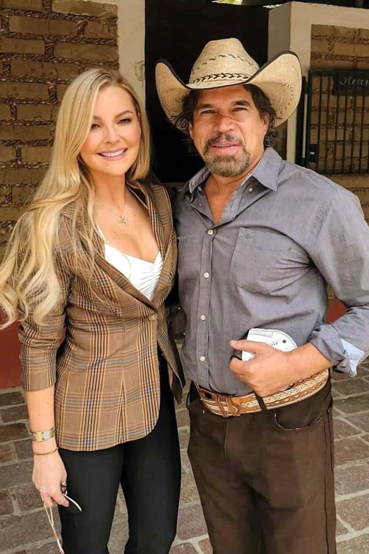 """Marjorie de Sousa y Alberto Estrella graban una escena la telenovela """"La Desalmada"""", producción de José Alberto """"El Güero"""" Castro"""