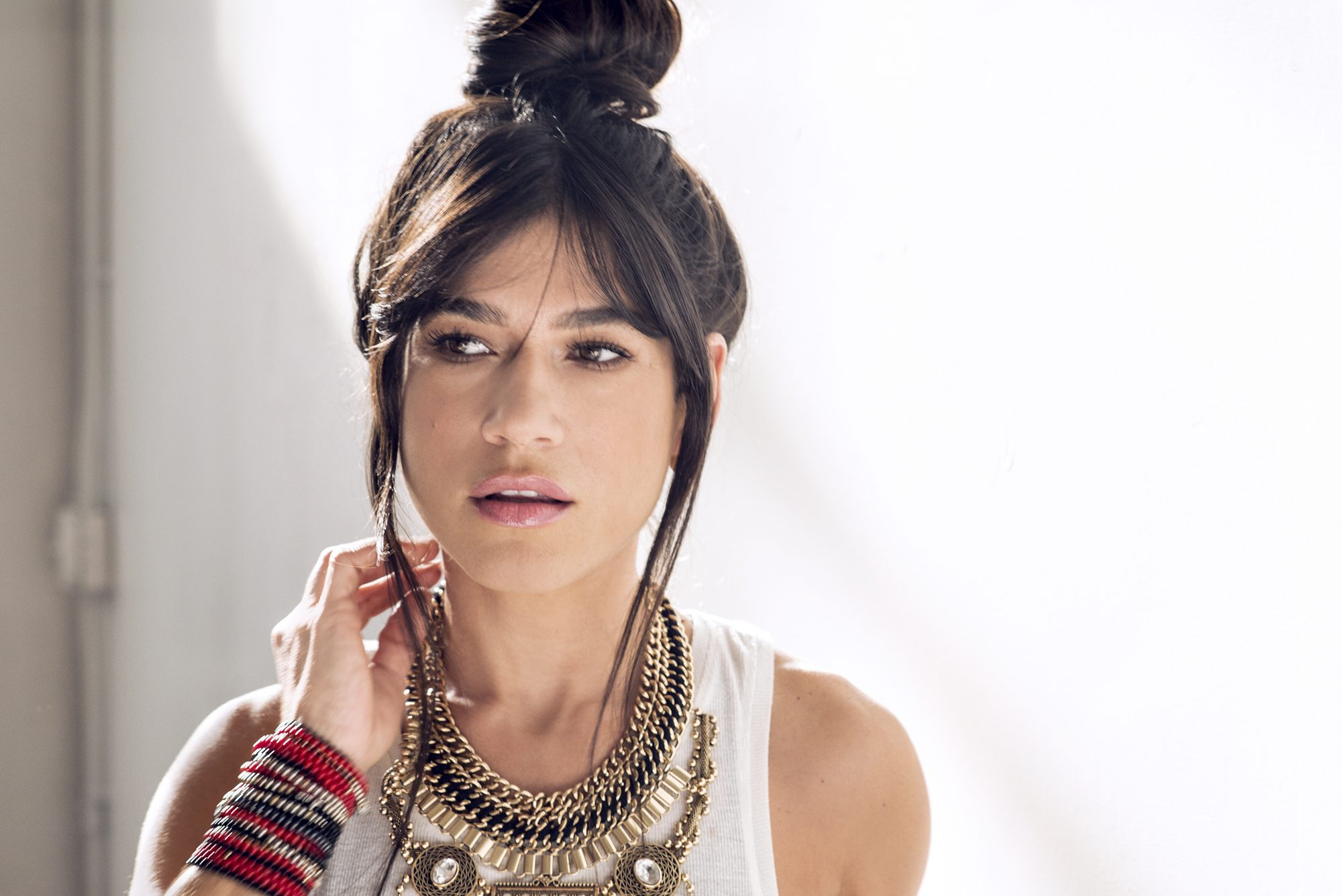 La maquilladora de las estrellas Millie Morales lanza su propia línea de cosméticos