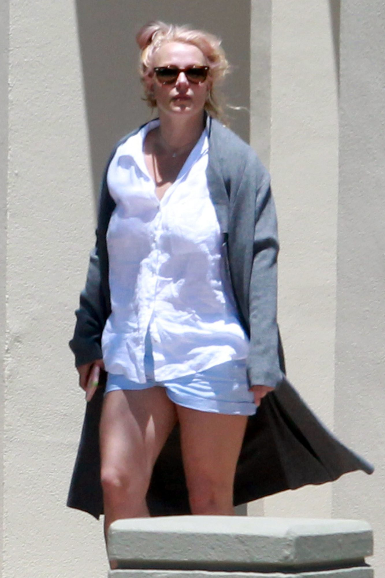 Britney Spears Leaves the Ventura County Sheriffs Office Ahead of Conservatorship Hearing