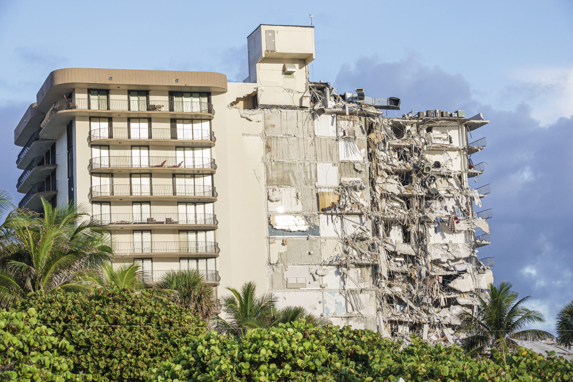 Champlain Towers building collapse Miami