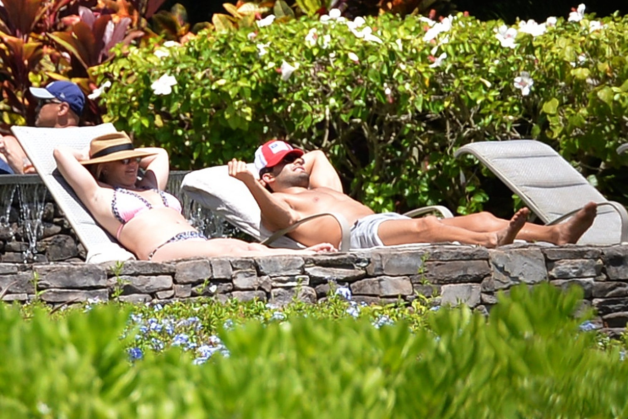 Britney Spears & Boyfriend Escape to Maui after her Explosive Hearing