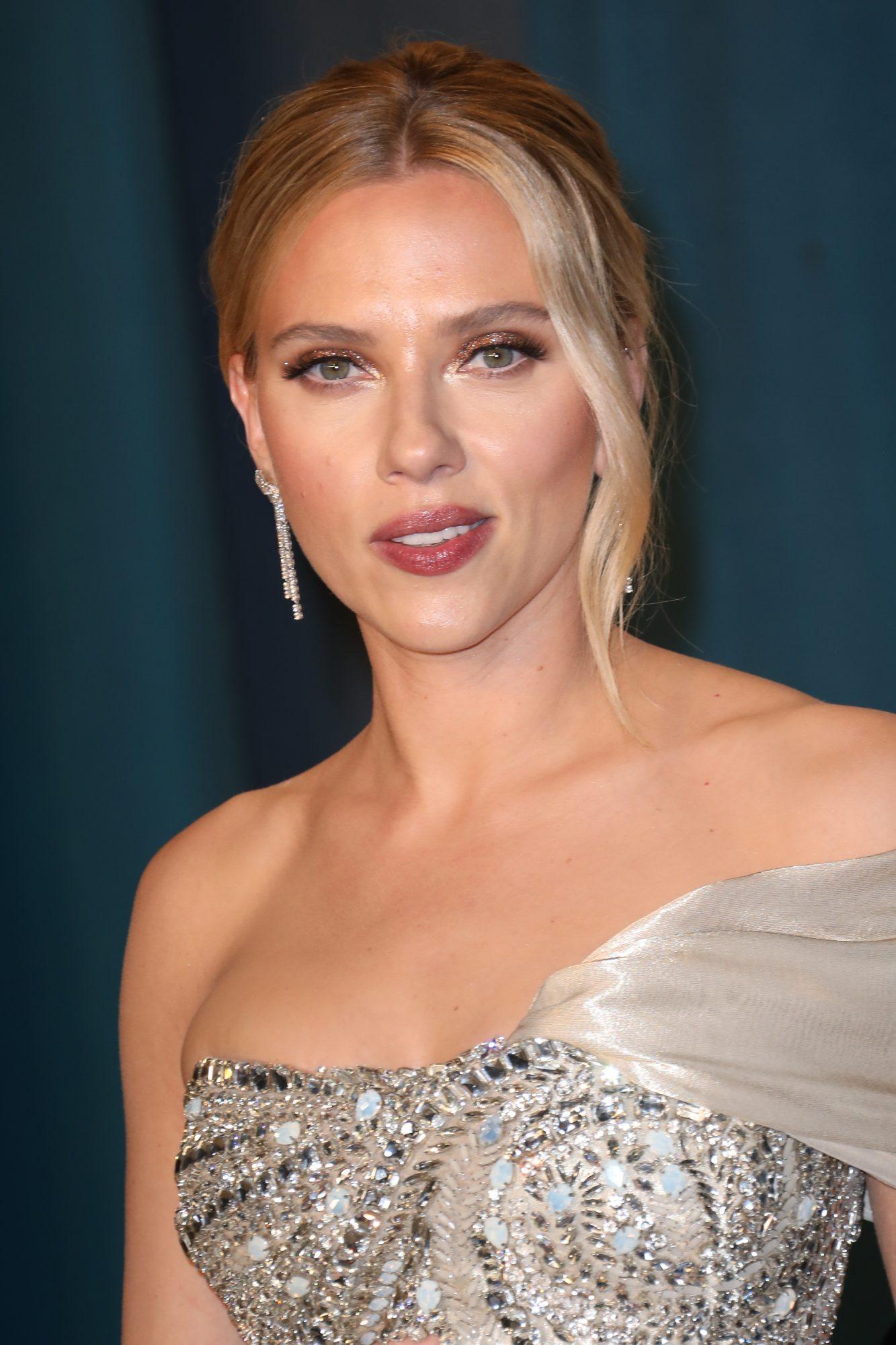 Scarlett Johansson linea para el cuidado de la piel