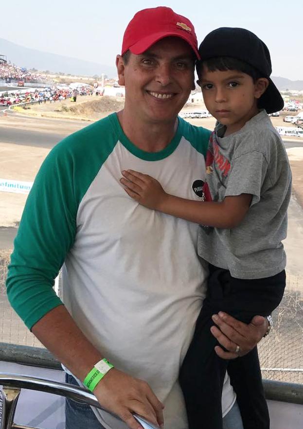 Xavier Ortiz y su hijo Xavier