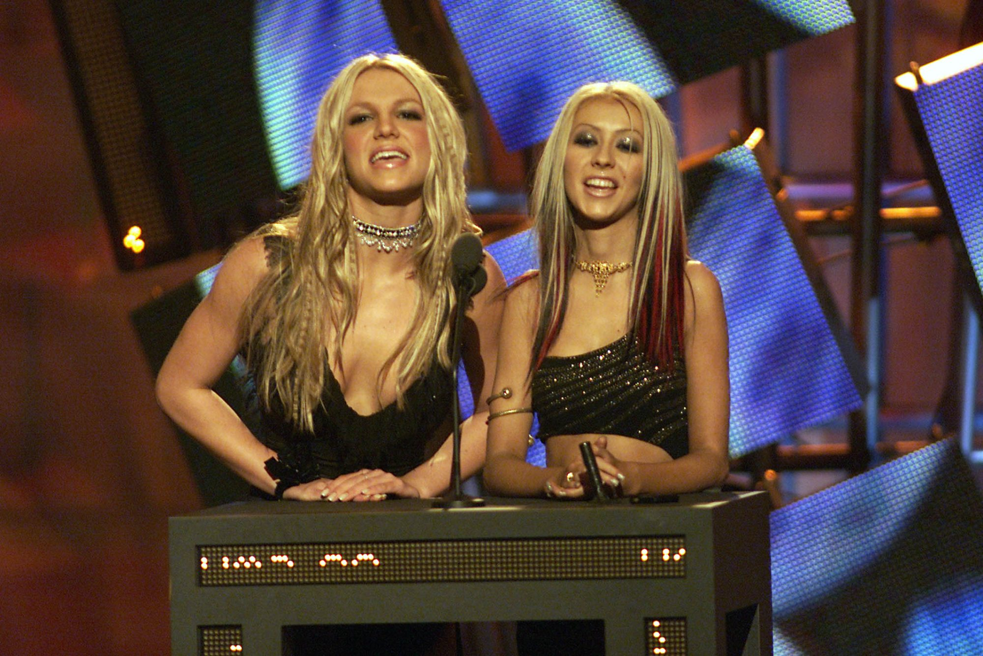 Britney Spears and Christina Aguilera 2000 MTV Music Awards