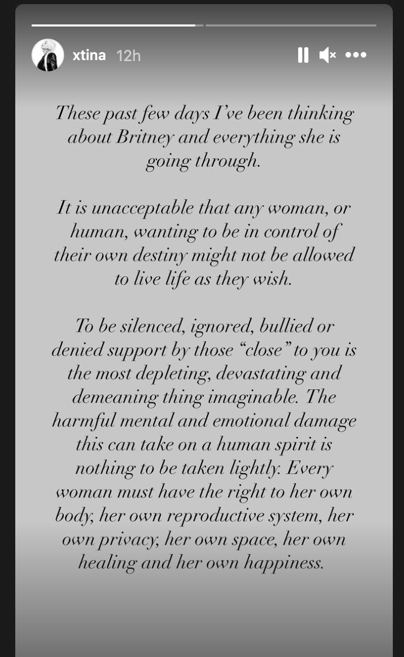 Christina Aguilera sale en defensa de su amiga Britney Spears en Instagram.