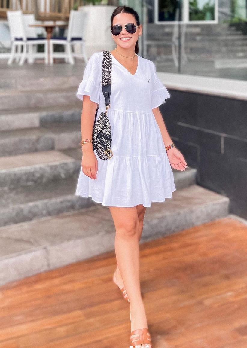 Karina Banda, look del dia, vestido blanco, vacaciones