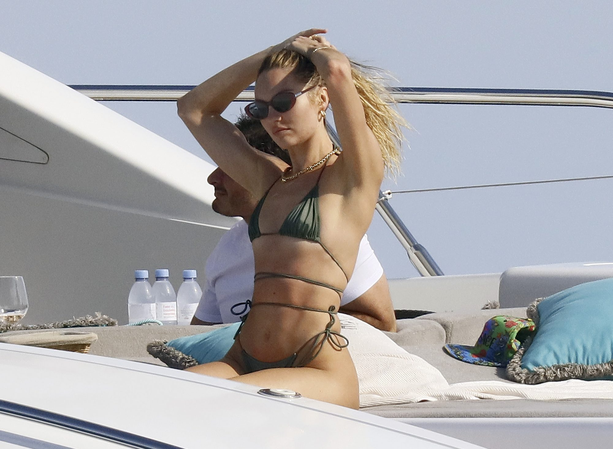 Candice Swanepoel Shows Off her Killer Body on a Yacht with a Mystery Man