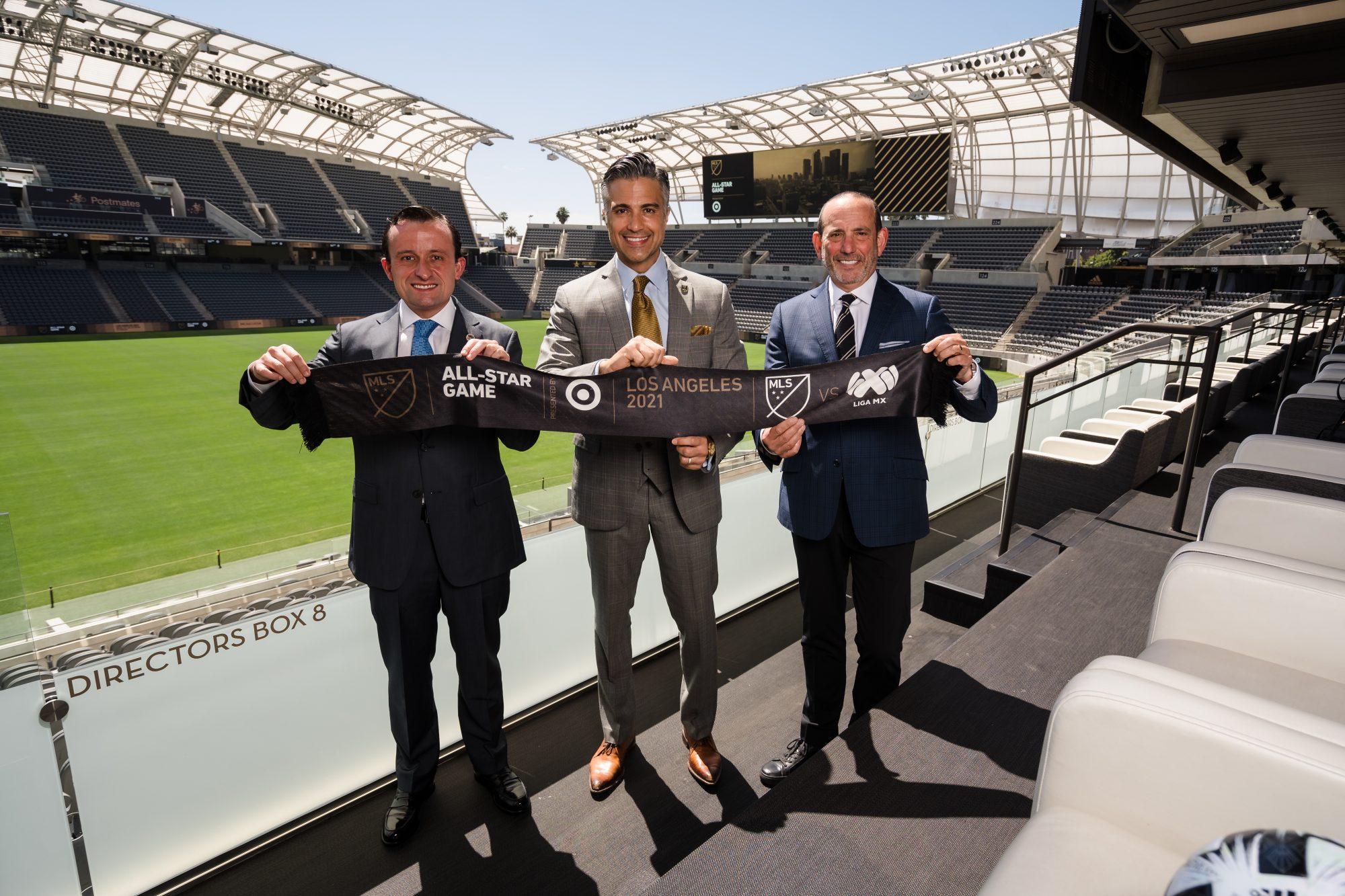 (L-R) Liga MX Executive President, Mikel Arriola; Actor, Jamie Camil; MLS Commissioner, Don Garber V2