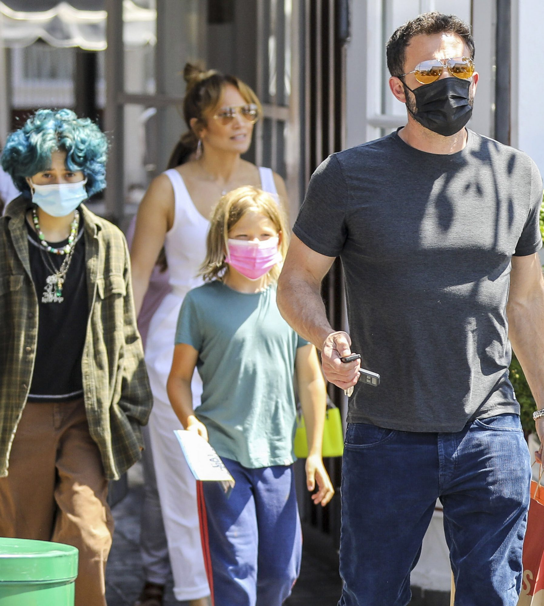 Jennifer Lopez and Ben Affleck Having Lunch With Their Kids