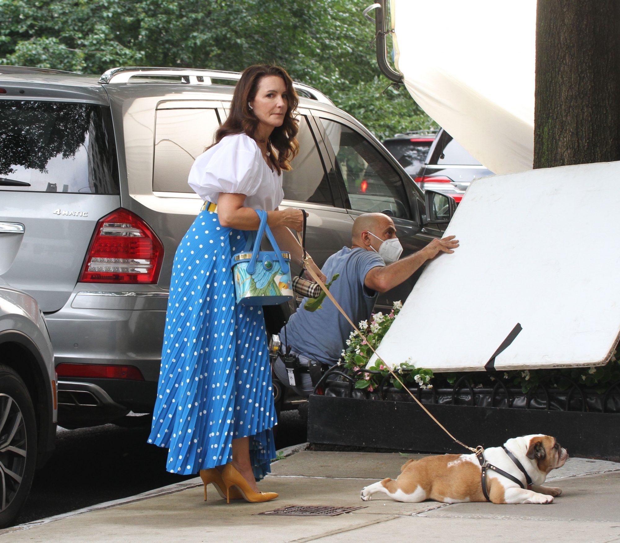 "Kristin Davis Picks Up Dog Poop on Set of ""And Just Like That"""