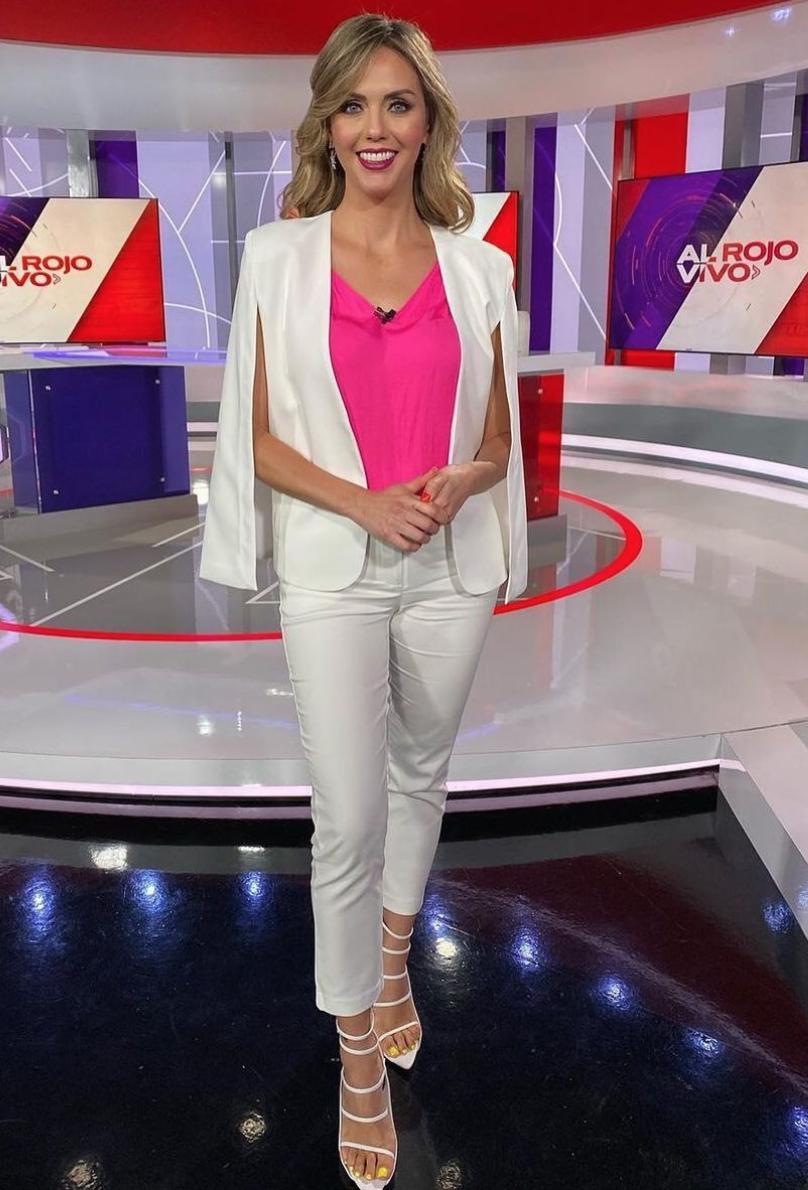 Jessica Carrillo, look del dia, conjunto blanco