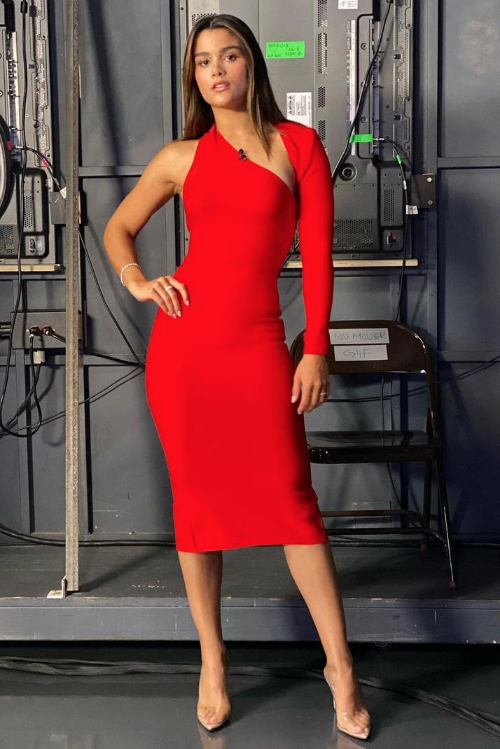 Clarissa Molina, look del dia, vestido rojo