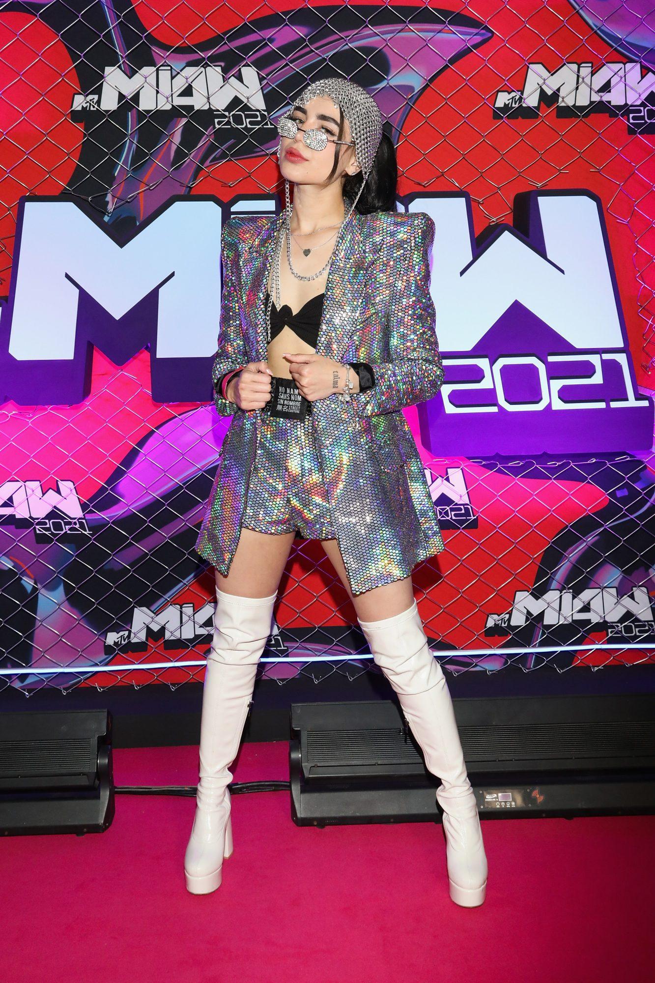 MTV MIAW 2021 alfombra rosa
