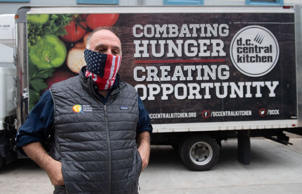 Chef José Andrés recibe $100 millones de parte de Jeff Bezos.